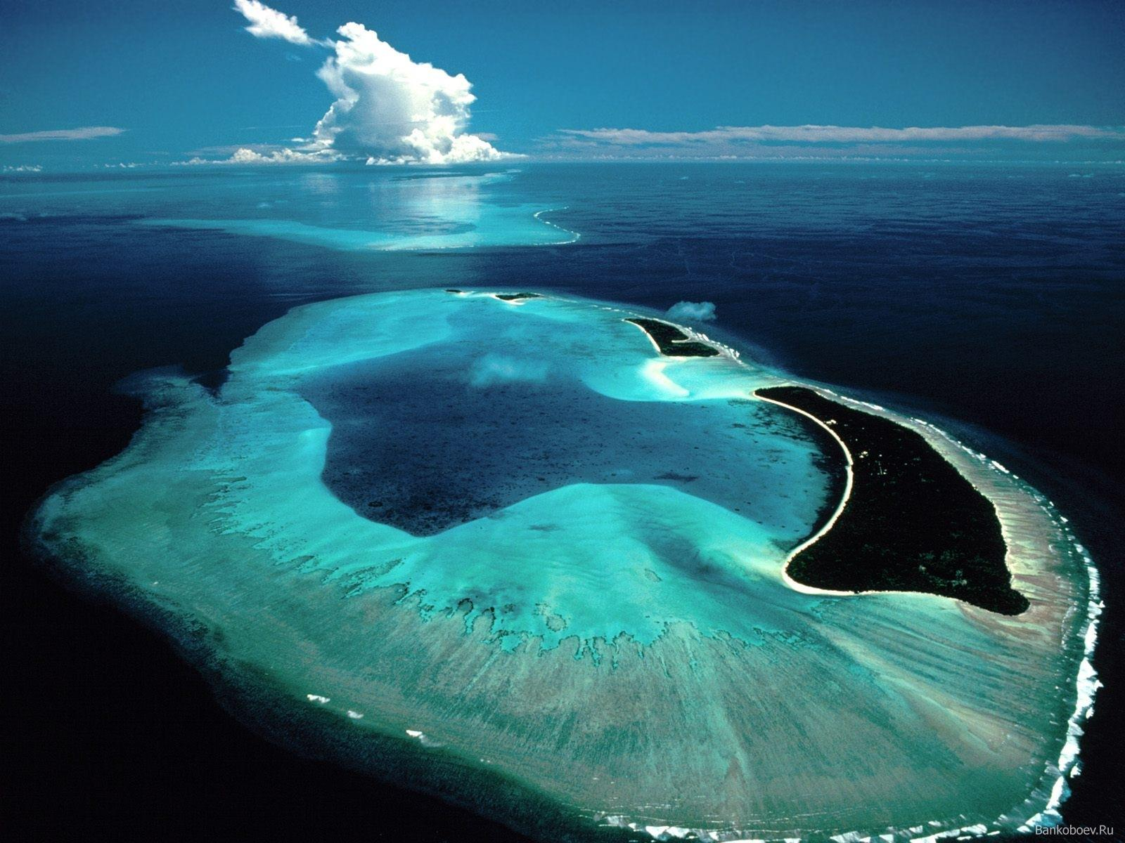 http://1.bp.blogspot.com/-Ll7zptrFvTo/TmQUrktBqBI/AAAAAAAAE74/6PA06EyXT_Y/s1600/Beautiful+islands+wallpapers+3.jpg