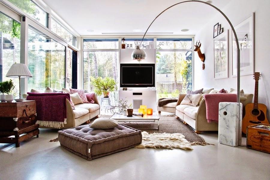 wystrój wnętrz, wnętrza, urządzanie mieszkania, dom, home decor, dekoracje, aranżacje, mieszanka stylów, białe wnętrza, otwarta przestrzeń, salon, jadalnia, kominek, piecyk