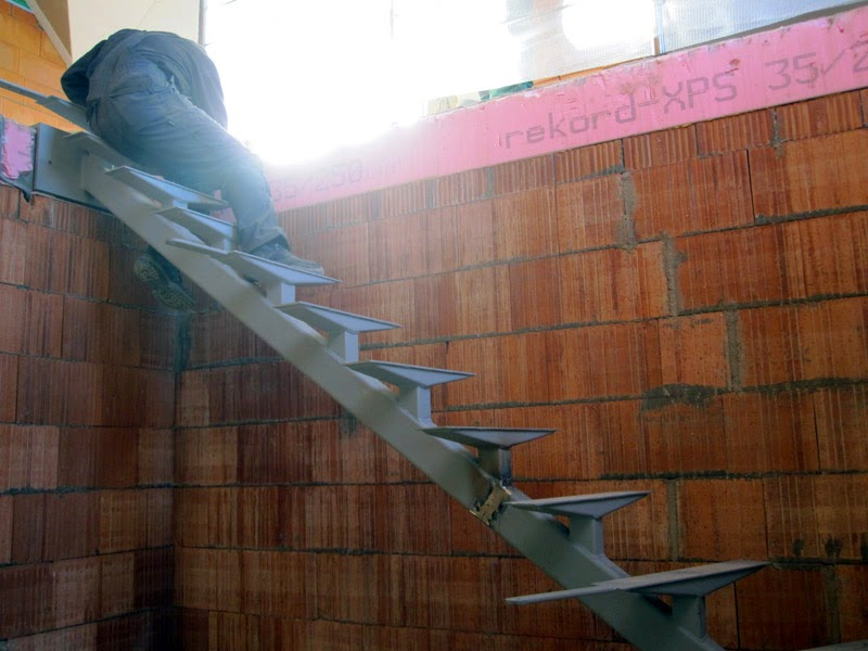 treppenbau gel nder treppe bautagebuch isernhagen. Black Bedroom Furniture Sets. Home Design Ideas