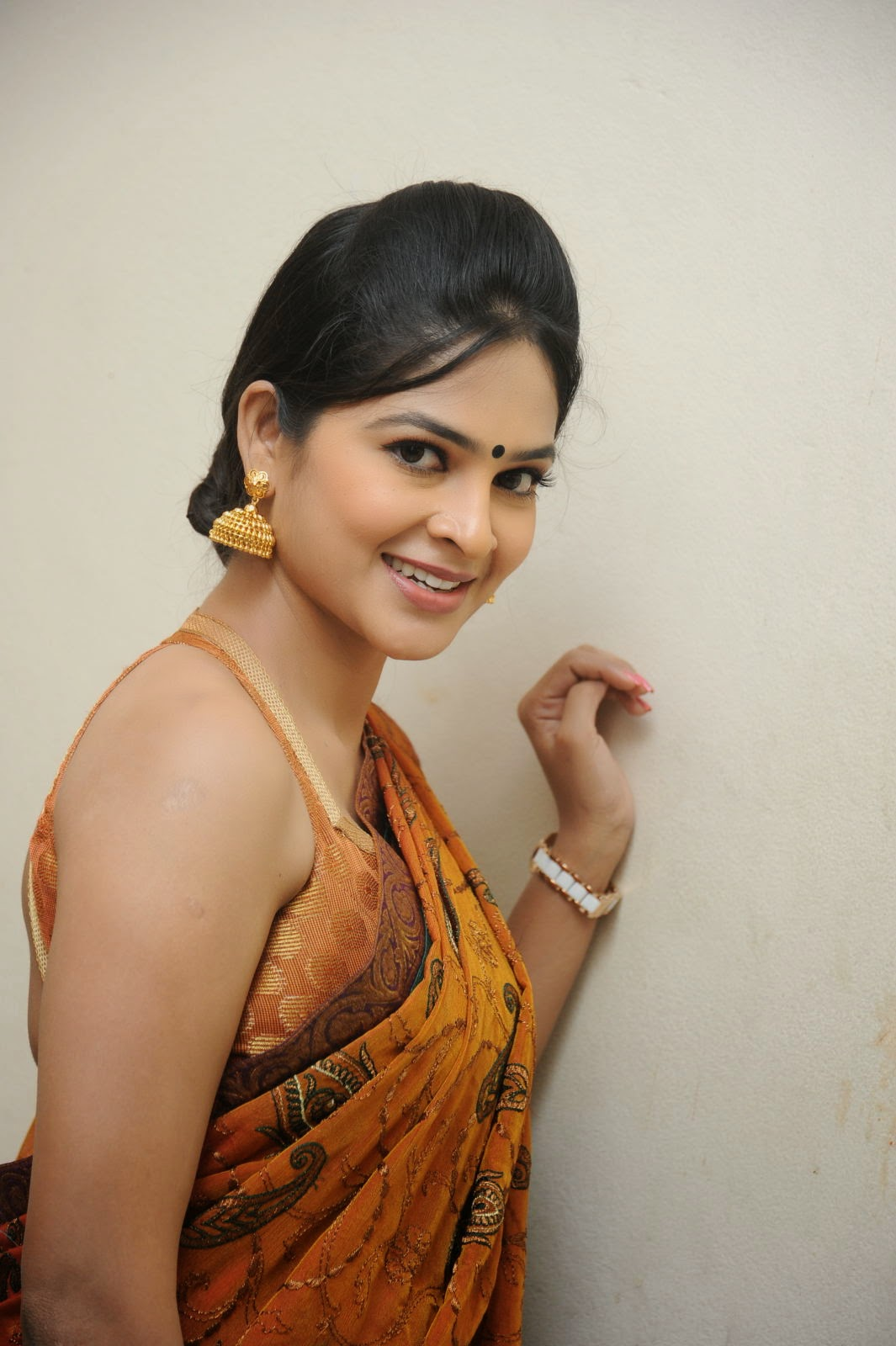 Madhumitha sizzling pics in saree-HQ-Photo-17