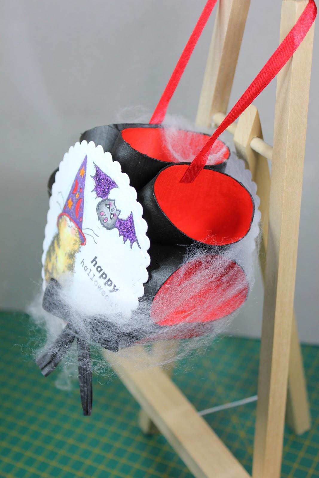 Kinderknutsels van creafrea halloween versiering van wc for Halloween versiering maken