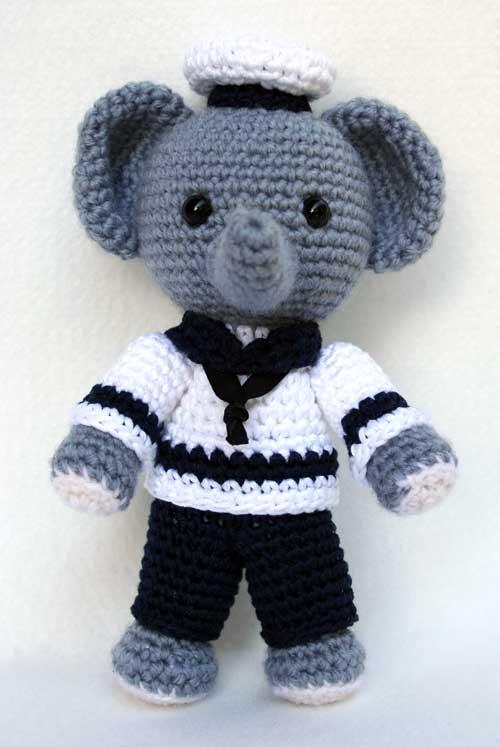 Free Crochet Patterns In English : 2000 Free Amigurumi Patterns: Elefante marinaio amigurumi