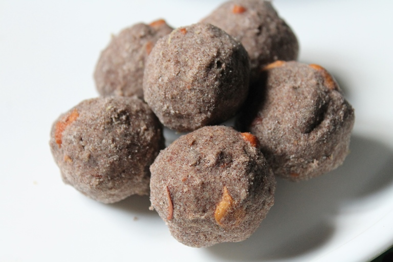 Ragi Ladoo Recipe / Finger Millet Ladoo Recipe