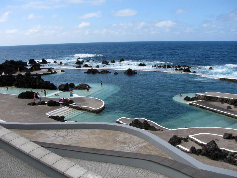 Las piscinas mas cool del mundo una for Piscinas naturales islandia
