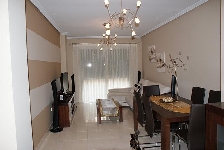 Muebles de salon marron oscuro 20170801105407 for Cortinas salon marron