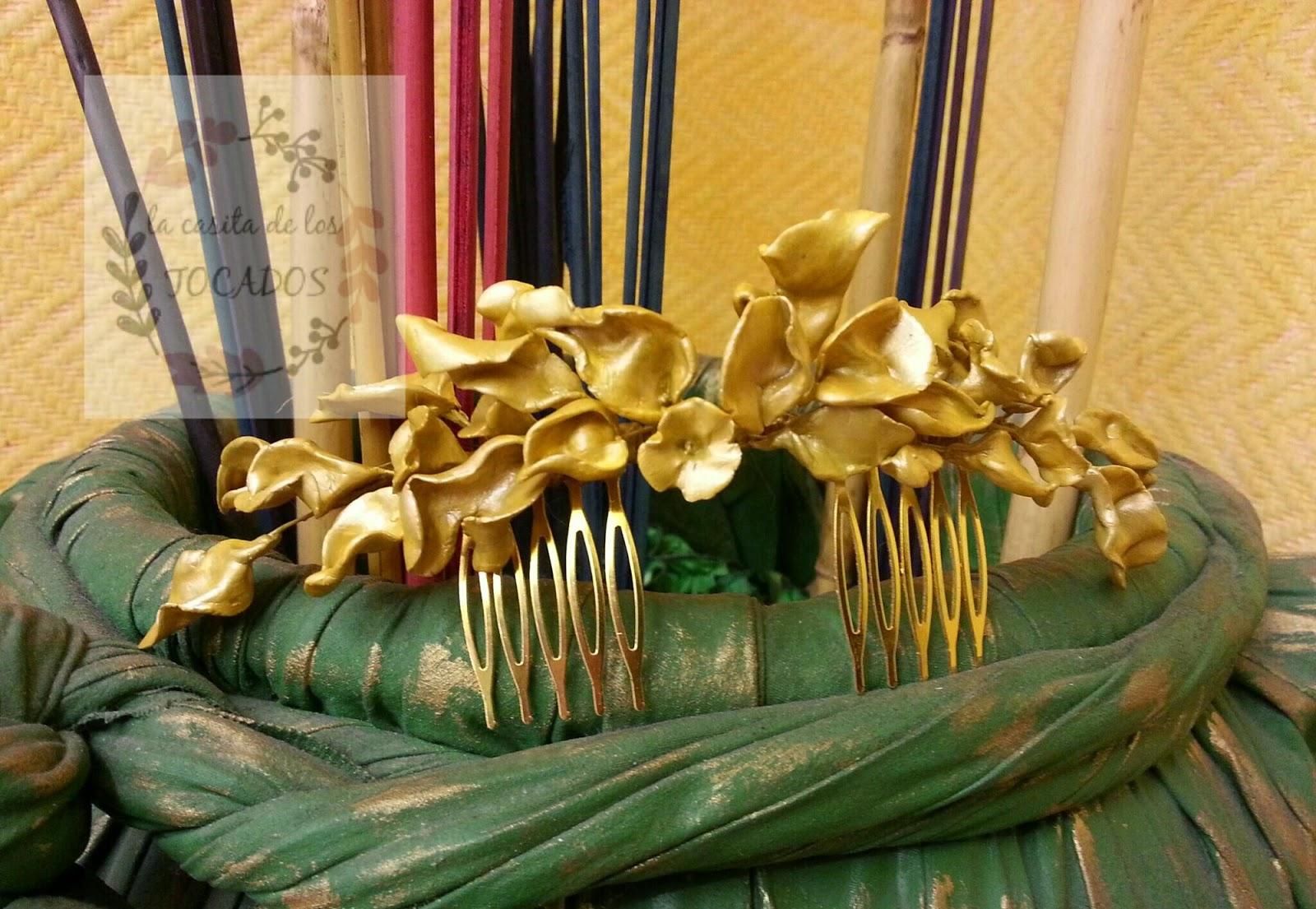 peineta artesanal vintage para novia realizada en porcelana y pintada en oro mostaza