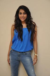 Rashmi Gautam sizzling Pictures 016