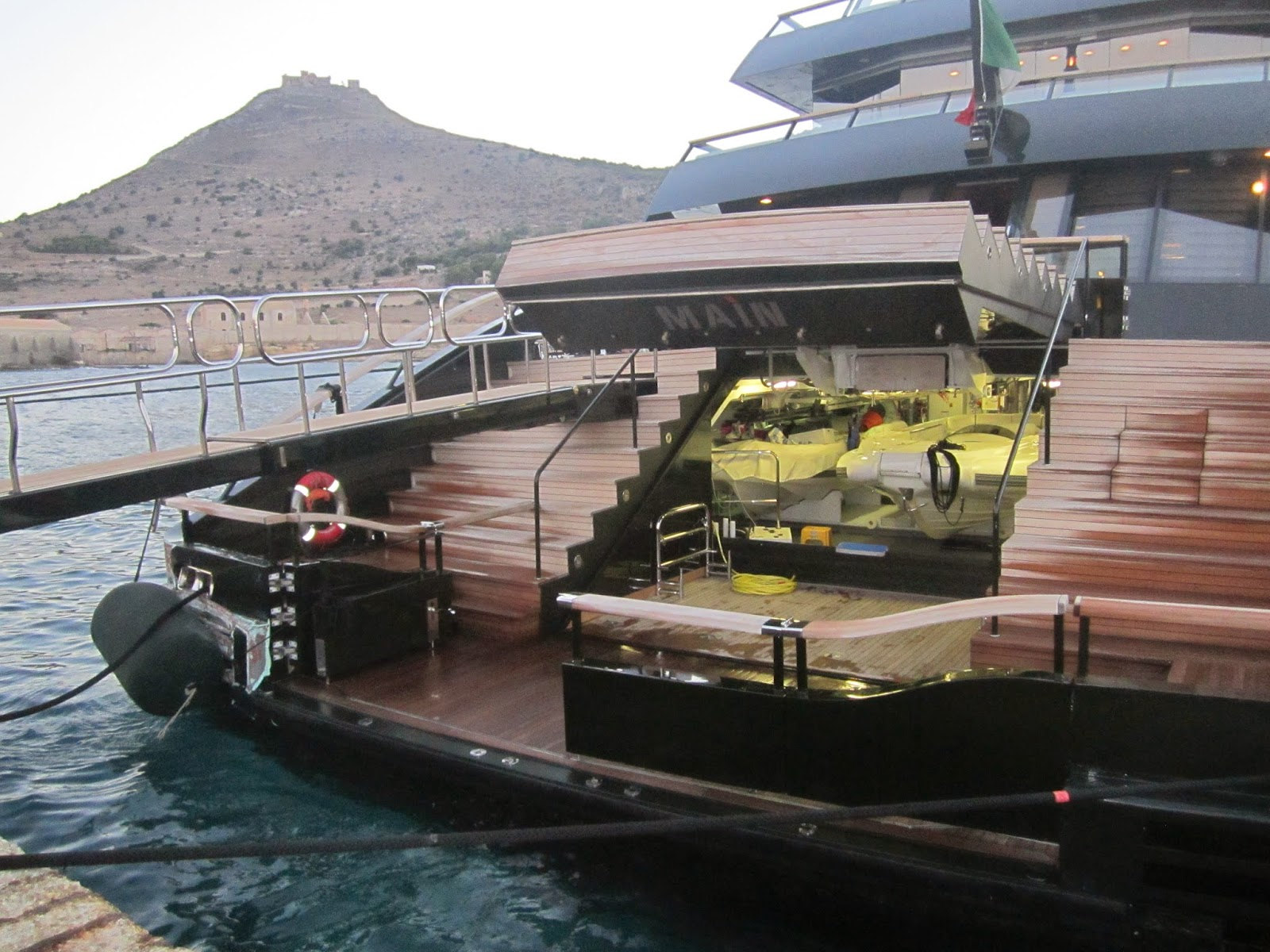 giorgio+armani+yacht