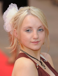 Evanna Lynch Hollywood Actress Wallpaper