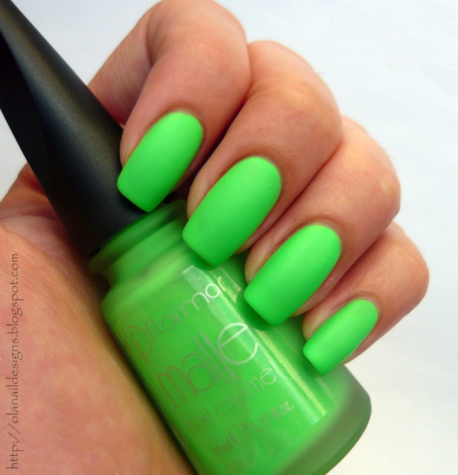 neonowe matowe zielone paznokcie