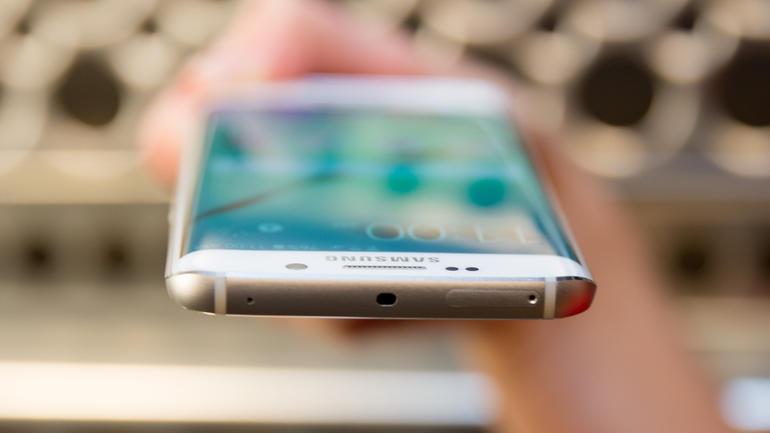 Firmware Download Free: SAMSUNG GALAXY S6 Edge - SM-G925I XXU1AOL1