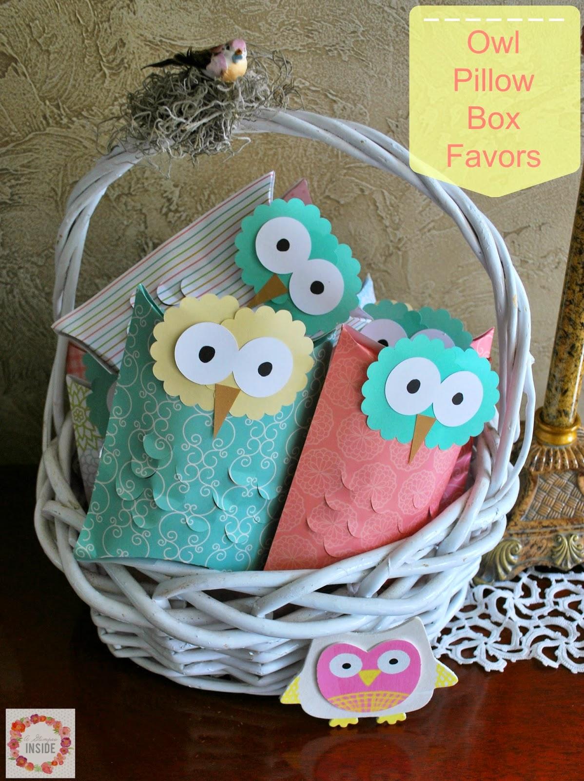 http://www.aglimpseinsideblog.com/2014/11/owl-pillow-box-favors.html
