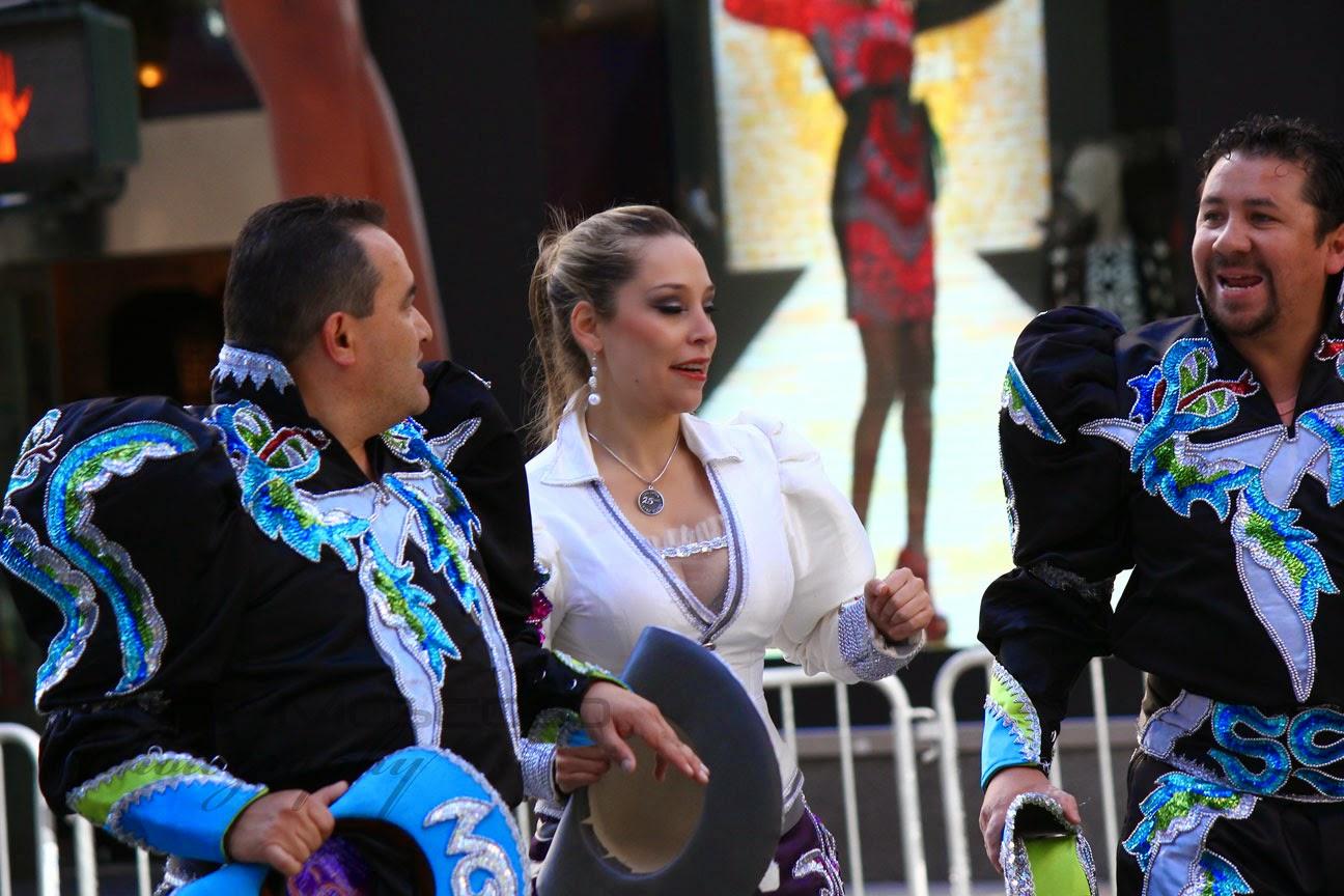 cultura folklorica boliviana - Caporales San Simon bloque Nueva York