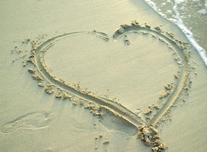 beach love wallpaper