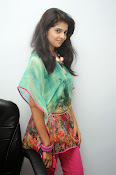 Sravya Latest photos Gallery-thumbnail-3