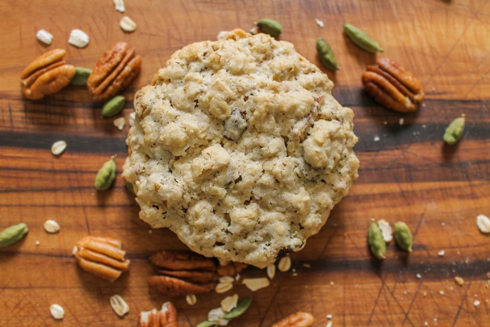The Quixotic Table: Oatmeal Raisin Pecan Cookies