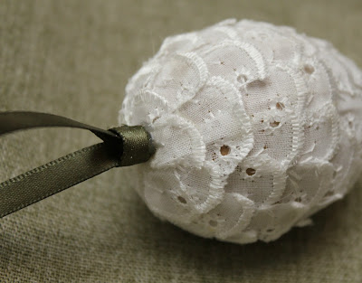 Lace Pinecone Ornament - Turtles and Tails blog