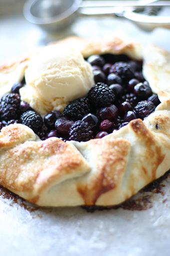 Blackberry Pie | Daily Dream Decor