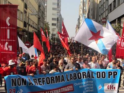 Cabeceira da manifestación en Compostela