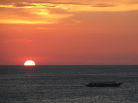 sunset at White Beach Puerto Galera, puerto galera beach, white beach, best beach puerto galera, how to go to puerto galera, batangas puerto galera trip