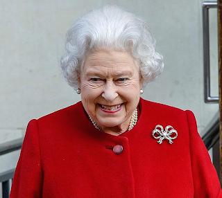 Queen Elizabeth leaves hospital