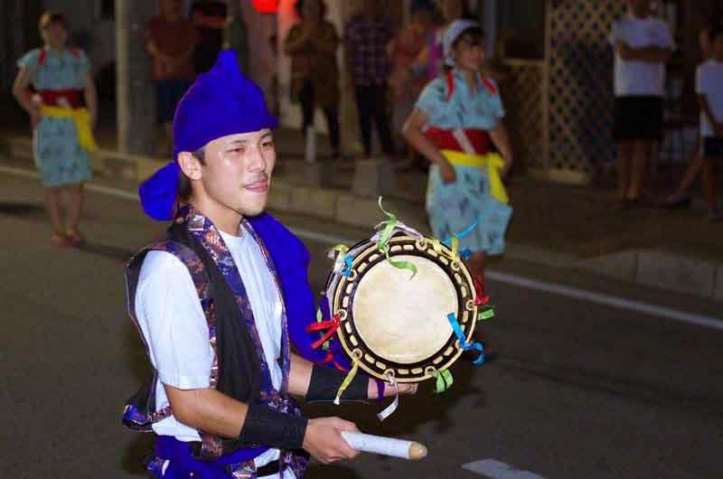 Eisa dancers,drums