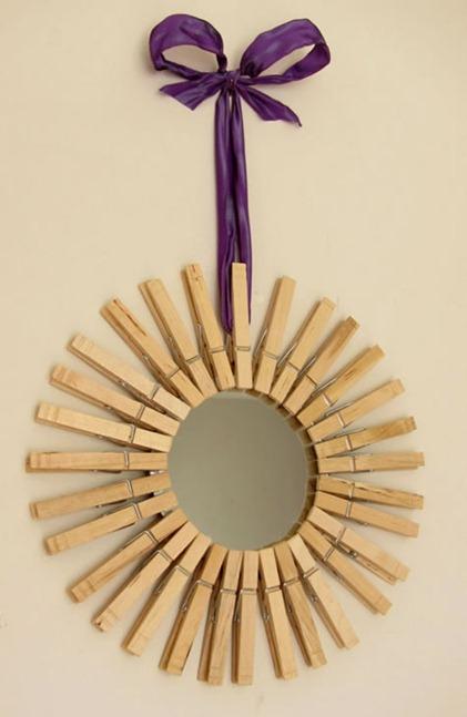 Diy con un espejo y pinzas de la ropa para decoración