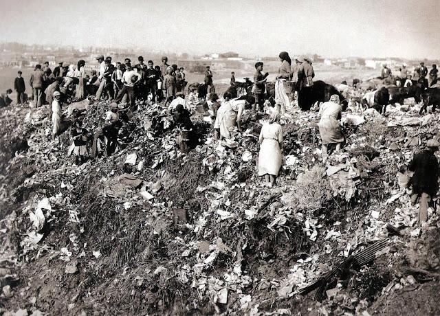 Buscando en basusero de Tetuán de las victorias, 1930 Madrid