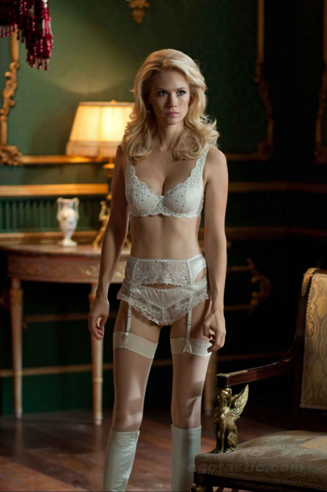 http://1.bp.blogspot.com/-Lotn-ErOJq4/TfERRnCTceI/AAAAAAAADNk/lrck_VqPWwY/s1600/january-jones-x-men2.jpg