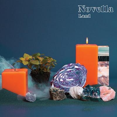 Novella - Land
