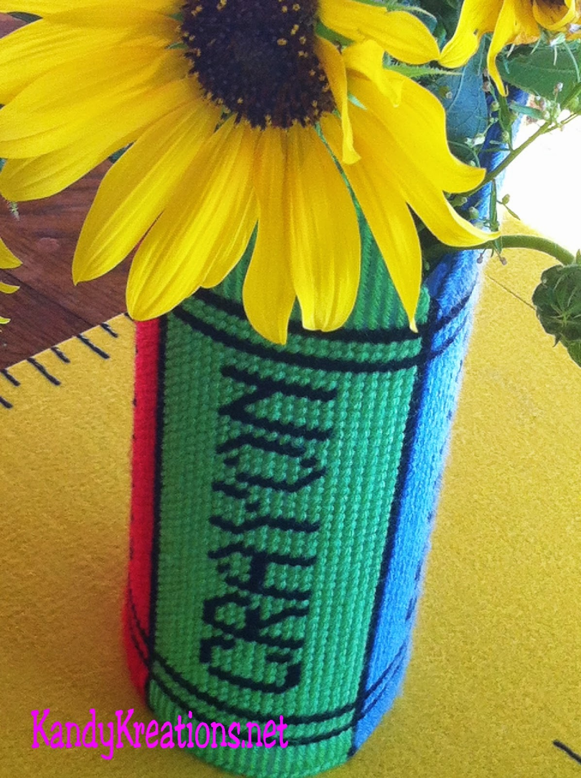 Plastic Canvas Crayon Box Flower Vase Free Pattern by Kandy Kreations