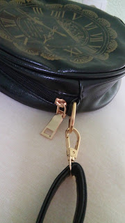 http://www.dressgal.com/Fashion-Women-Print-Shoulder-Bag-Round-Shape-Mini-Messenger-Bag-Zipper-Cross-Bag-g19477.html?utm_source=blog&utm_medium=cpc&utm_campaign=CK-StarfishFashion