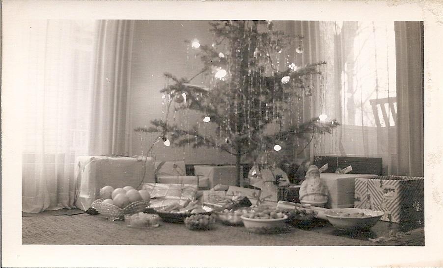 1515 Tree 1944