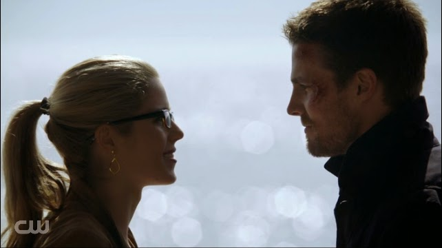 Felicity Ollie scene on the island beach not love Arrow