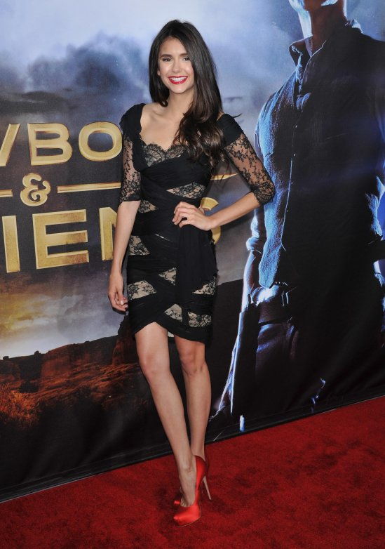 Style In Athens Get The Look Of Nina Dobrev