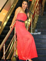 http://www.stylishbynature.com/2014/08/fashion-how-to-style-coral-outfit-style.html