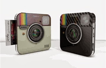 الكاميرا فورية الطباعة المستوحاة من أيقونة انستجرام