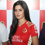 Super Pretty Katrina Kaif Cheers For Royal Challengers Bangalore At The IPL