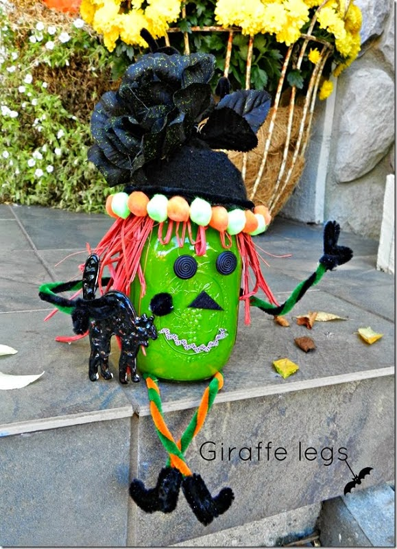 Mason Jar Witch and, and 32 Kid friendly Halloween ideas, Clever Nest with Hometalk #toddler #roundup