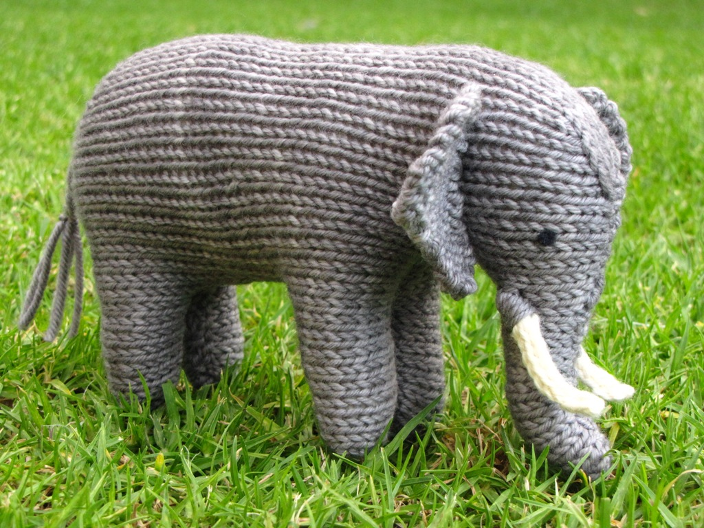 Easy Elephant Knitting Pattern : Ellie the Knitted Elephant and a Small Giveaway - Natural Suburbia