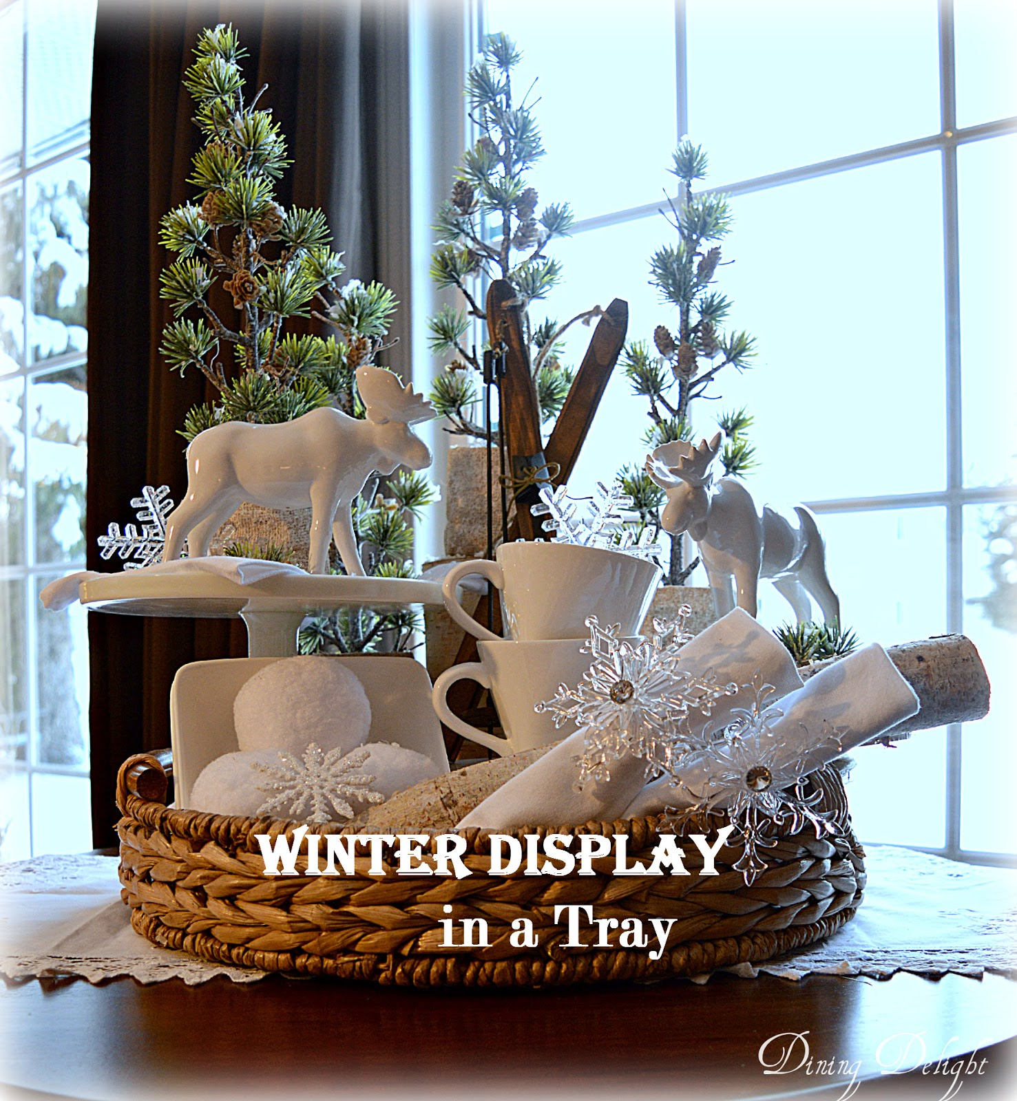 Dining Delight: Winter Display In A Tray