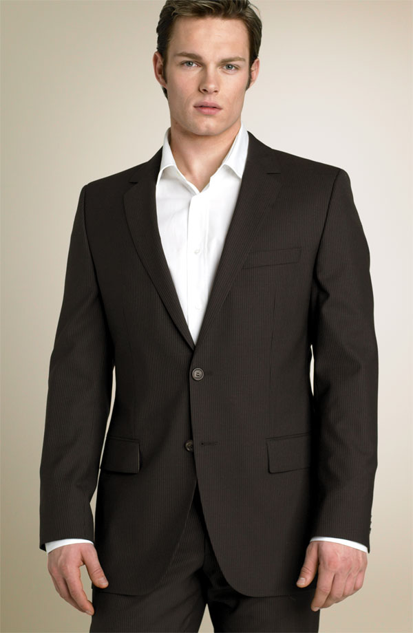 For man there are very few colors for wedding suit but they can have