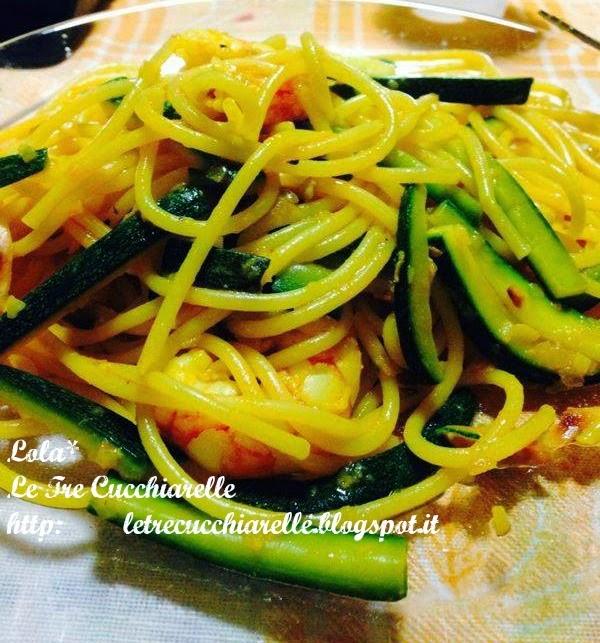 spaghetti allo zafferano e mandorle !