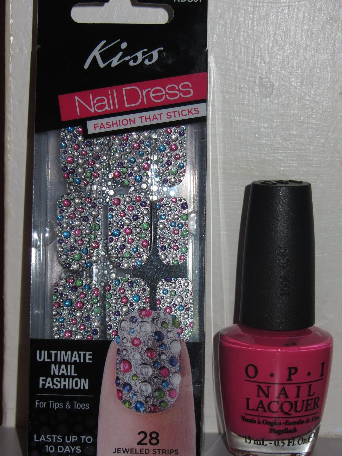 Kikistyles: Nail of the Week - Kiss Nail Dress