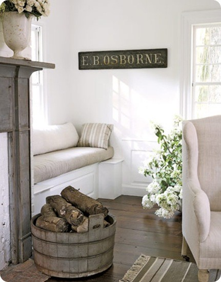 Cosy home under the window for Divanetti shabby chic