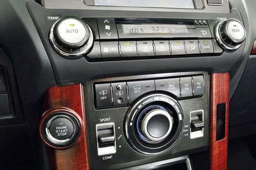 Xe Prado được trang bị đầu DVD 1 đĩa, tương thích với các định dạng MP3,WMA
