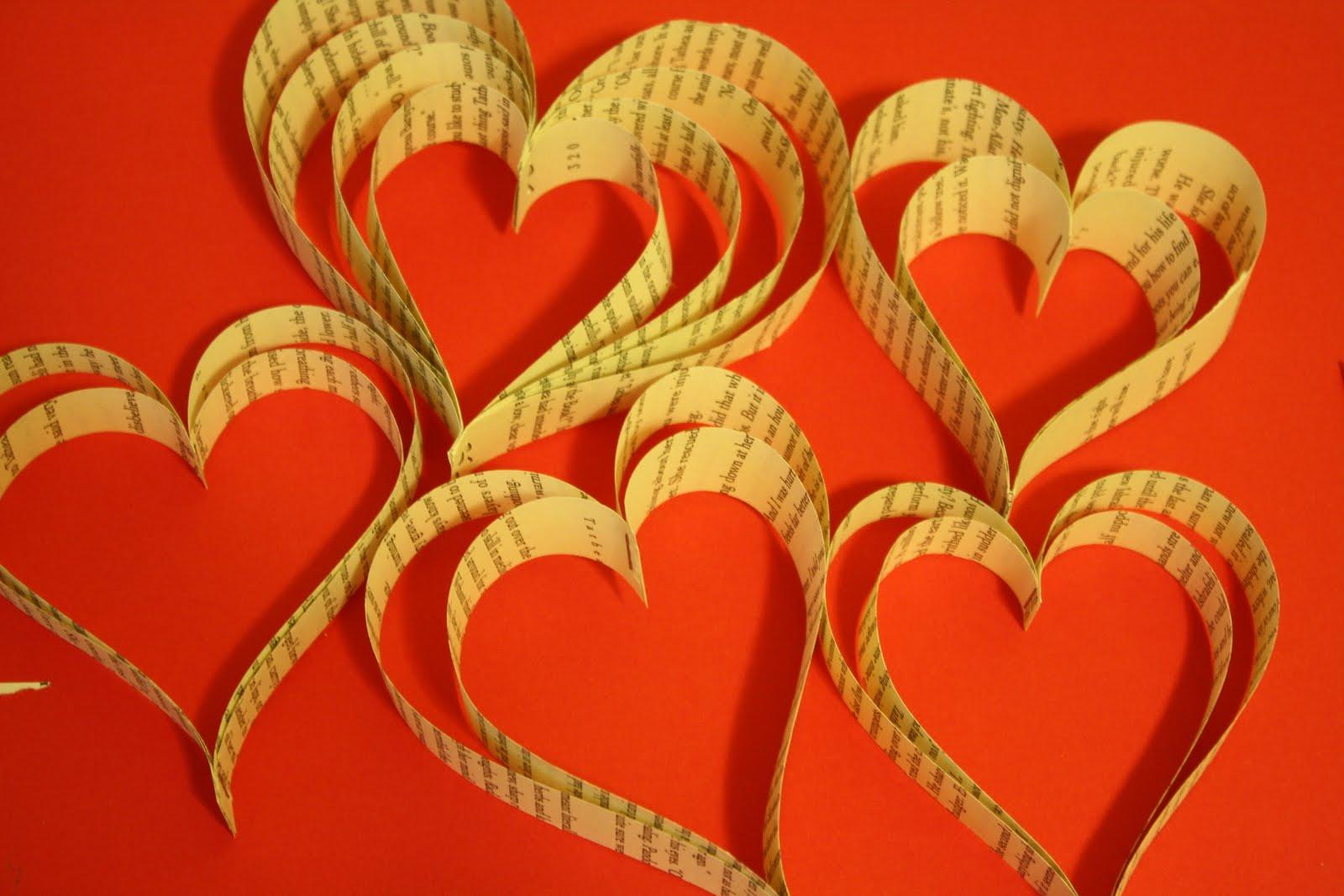 Украшение из сердечек своими руками