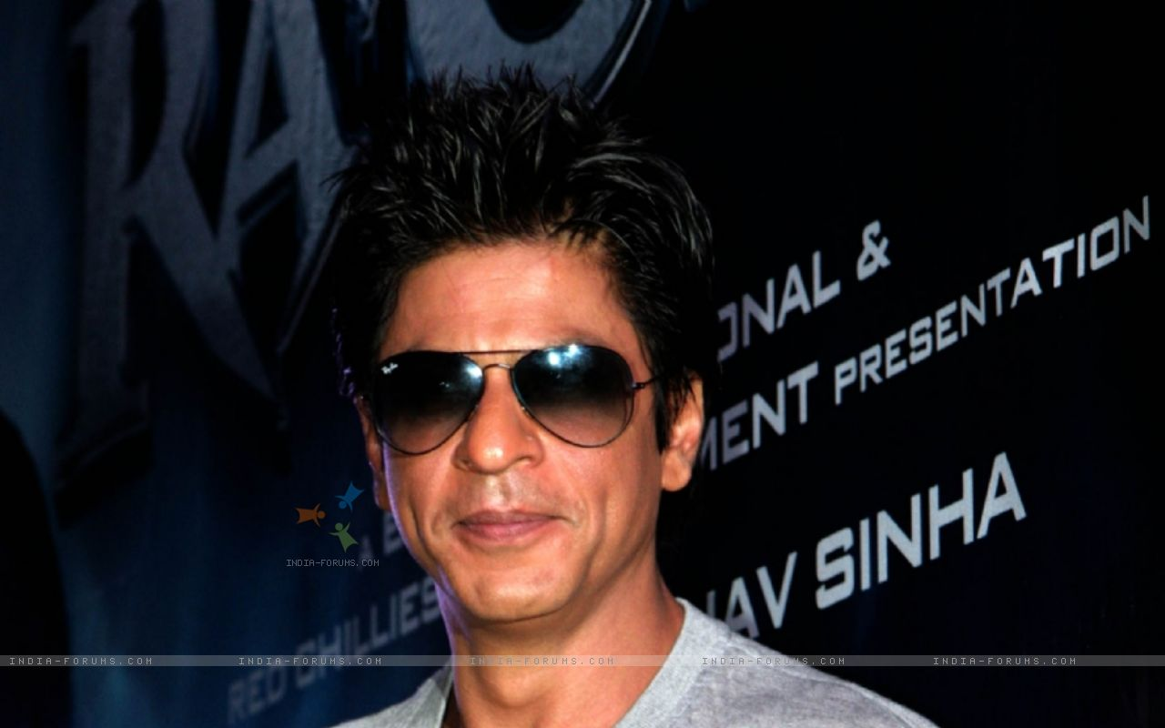 http://1.bp.blogspot.com/-LrlYZHC7Y1I/Tztw3m2GYXI/AAAAAAAABm4/-V2UBT1sHOY/s1600/136145-shah-rukh-khan-launch-the-theatrical-promo-of-his-film-ra-one-a.jpg