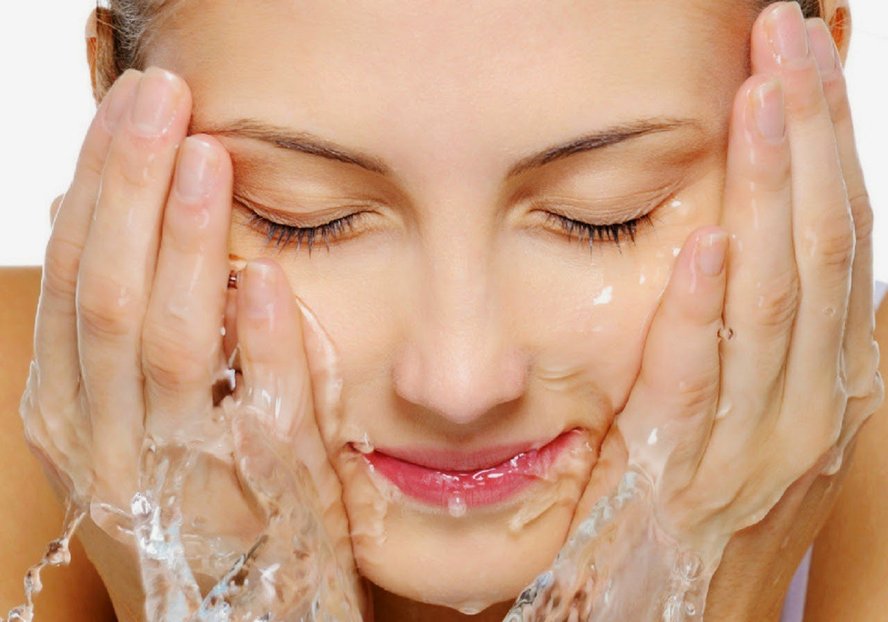prevent acne, acne, treat acne, hygiene, washing face
