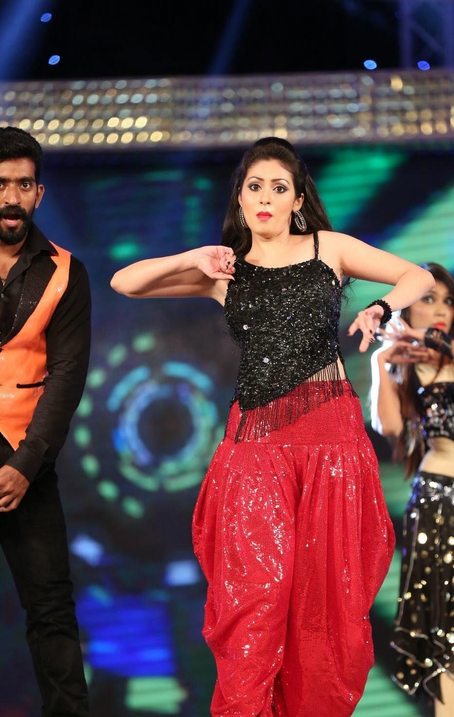 Sada Hot Dance Performance at Gama Awards | HQ Pics n ...